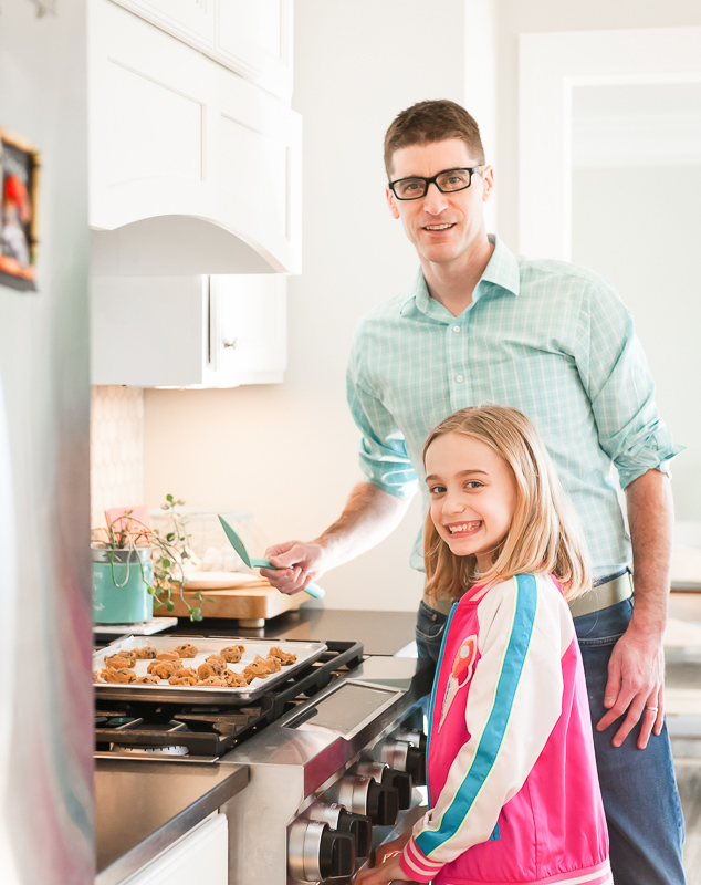 Dad cooking with his daughter @mylifeanddads
